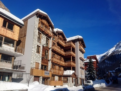 ValdIsere_VictoriaLodge_Ski_Front_1-1.jpg